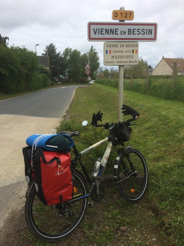 La Route en Communes - Vienne en Bessin